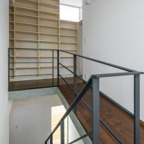階段室を見る