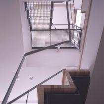 階段室の見上げ