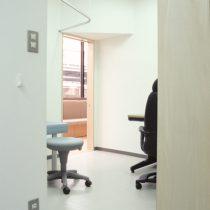 診察室を見る
